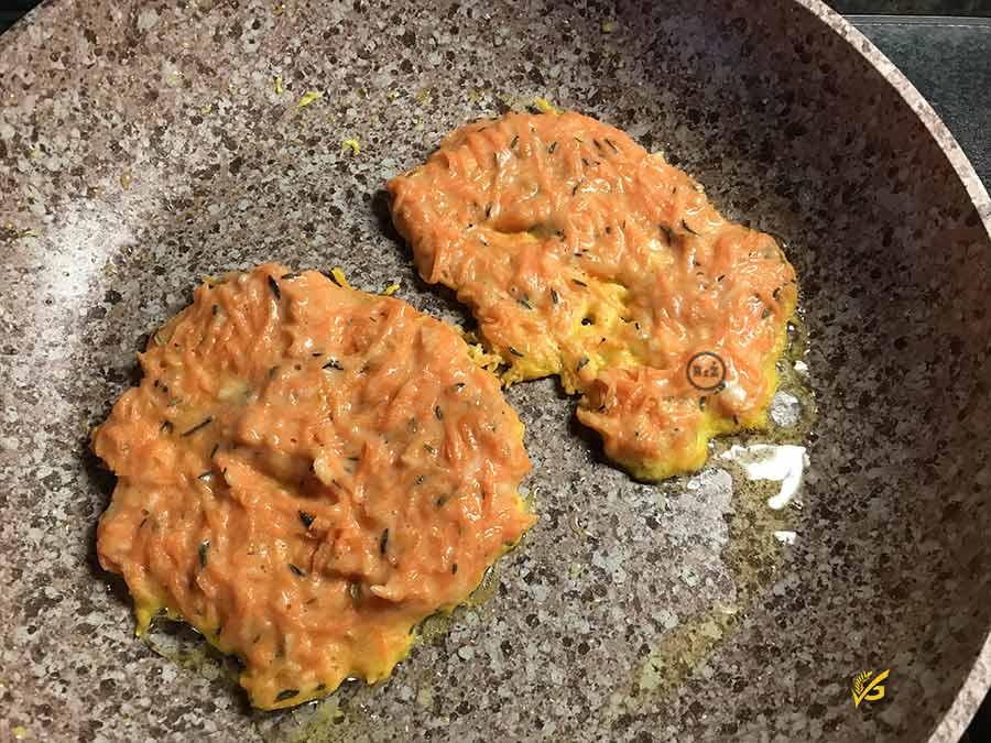 Bezlepkové mrkvové placky - smažení na pánvi | Bezlepkové recepty Rady ze života