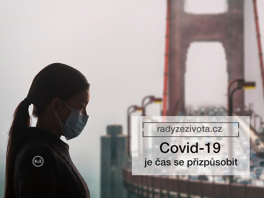 ilustrativní obrázek covid-19 s ženy stojící před mostem s chirurgickou rouškou ve tmavém stínu v pozadí s most plným aut - Covid-19, Zdroj: shutterstock, radyzezivota.cz