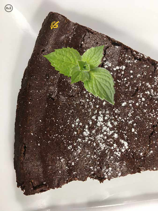 Fotografie Bezlepkového čokoládového dortu Torta Tenerina od Emanuela Ridiho | Bezlepkový čokoládový dort | Bezlepkové recepty | 33. recept