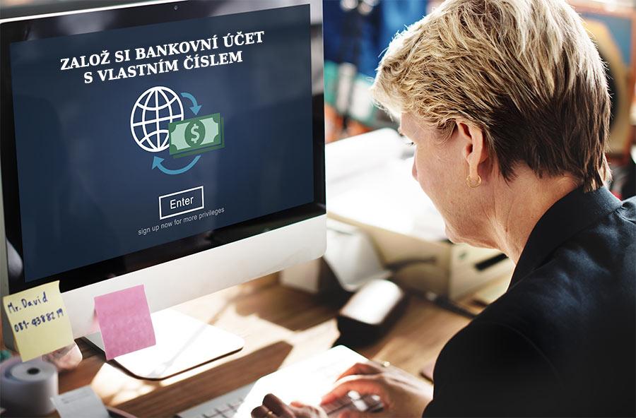 Fotografie paní sedícího u počítače která chce založit bankovní účet s vlastním číslem účtu