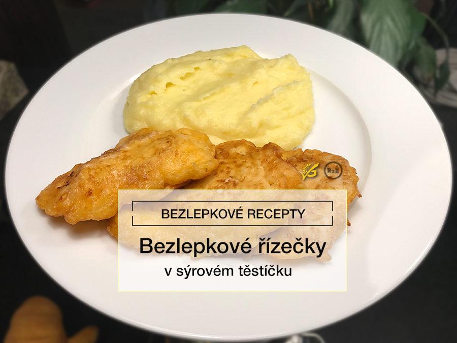 Bezlepkové řízečky v sýrovém těstíčku na bílém talíři s pozadím kuchyňské linky, Bezlepkové recepty, Vlastník: radyzezivota.cz, Bezlepkové řízečky v sýrovém těstíčku