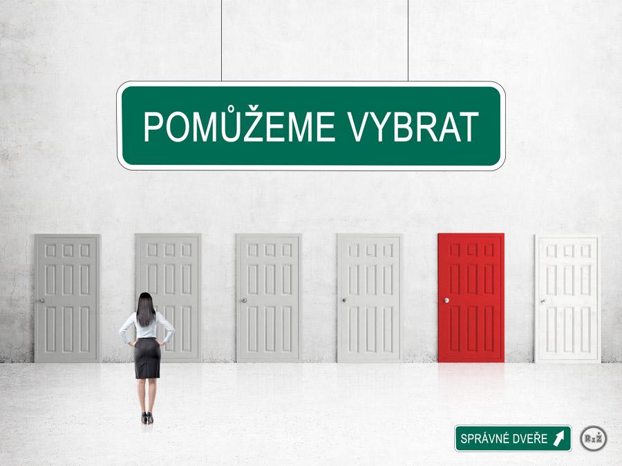 """Úvodní obrázek pro """"Pomůžeme vybrat správné dveře"""" - paní stojící před mnoha dveřmi neví, jakými se vydat - nahoře a dole jsou 2 cedule s textem """"Pomůžeme vybrat"""" a """"Správné dveře"""", Zdroj: shutterstock.com"""