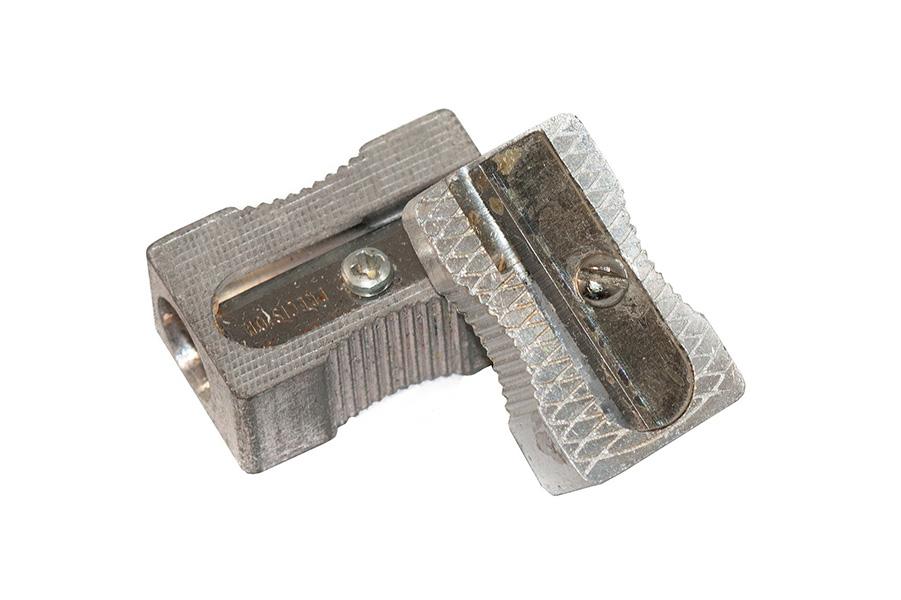 Fotografie mechanické ořezávátko kapesní