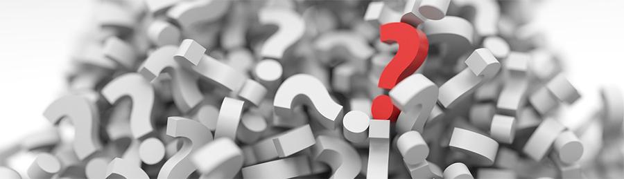 Jeden červený otazník ležící na velkém počtu bílých otazníků | Bolest zad | Image by Arek Socha from Pixabay | Článek Bolest zad | Rady ze života